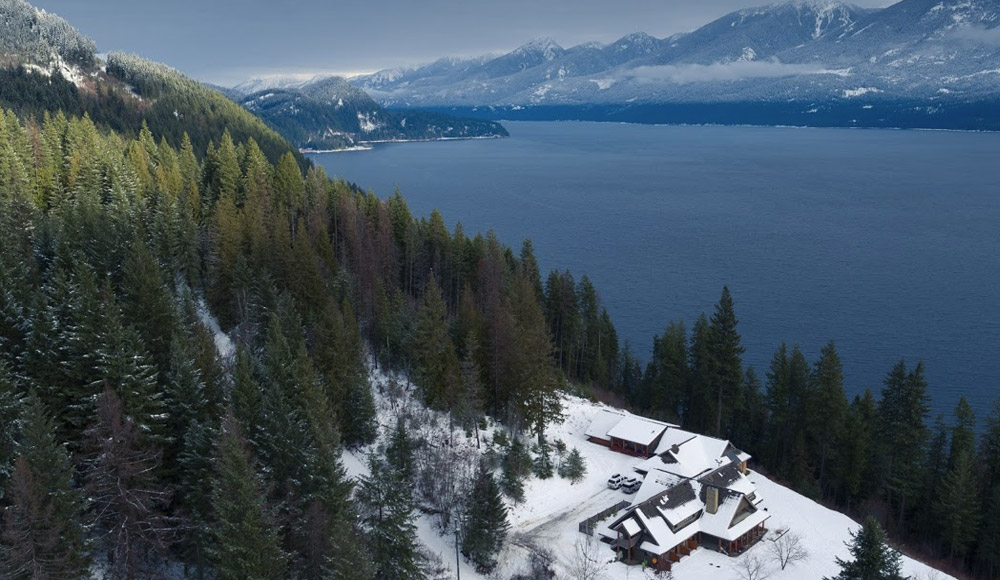 Luxury Lake View Lodge