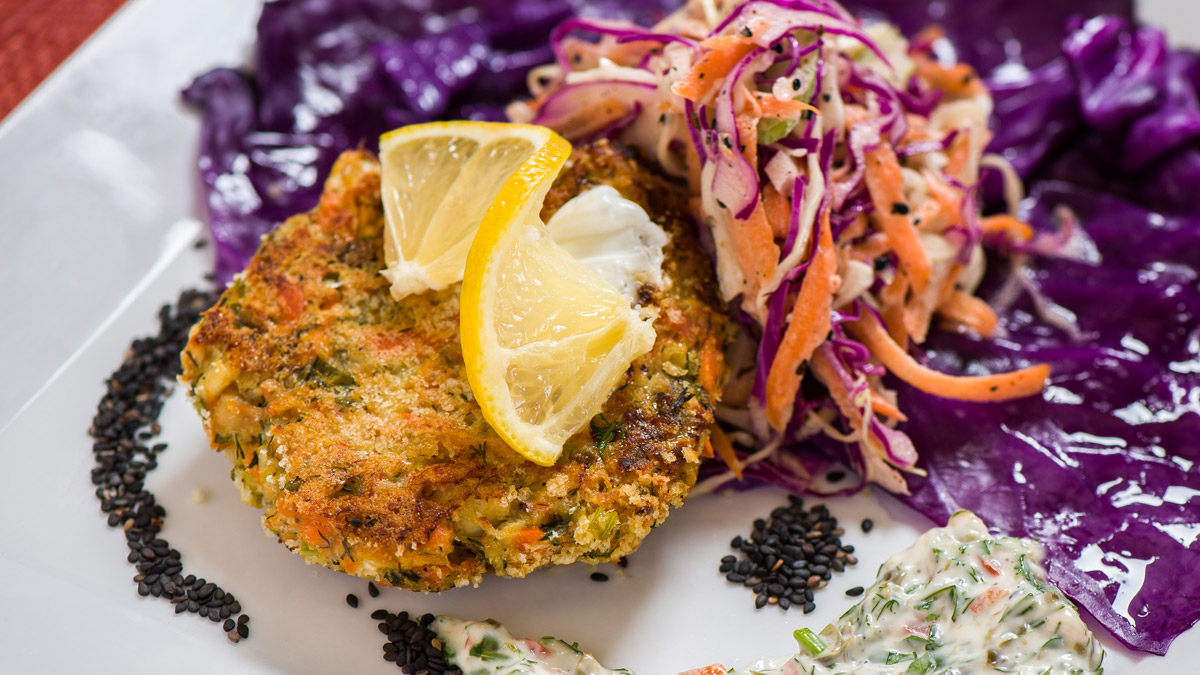Salmon-Halibut-Cakes-gallery